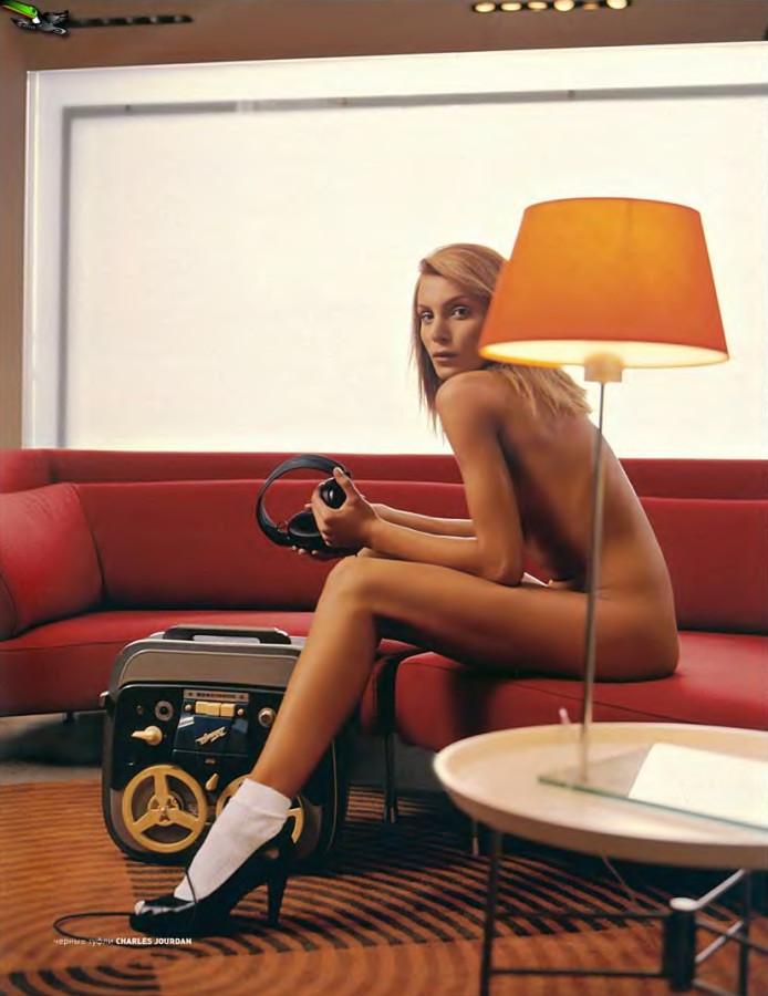 Playboy_05-2002_Russia_Scanof.net_041