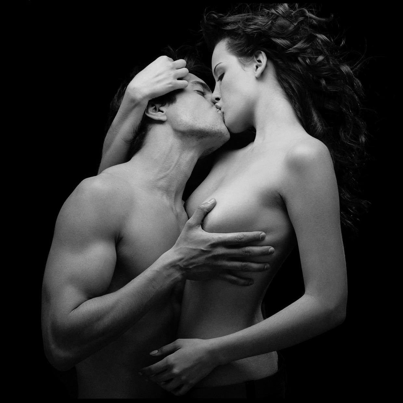 nezhniy-potseluy-erotika