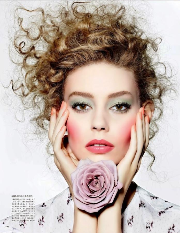 "Ondria Hardin Enjoys ""The Scent Of Flowers"" By Richard Burbridge For Vogue Japan March 2015"