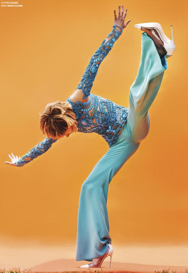 saskia-de-brauw-by-ryan-mcginley- for-v 9-winte- 2014-5