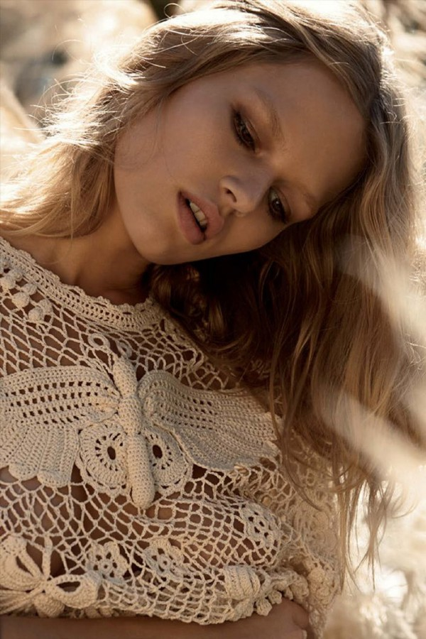 anna-ewers-camilla-akrans-vogue-germany-march-2015-12