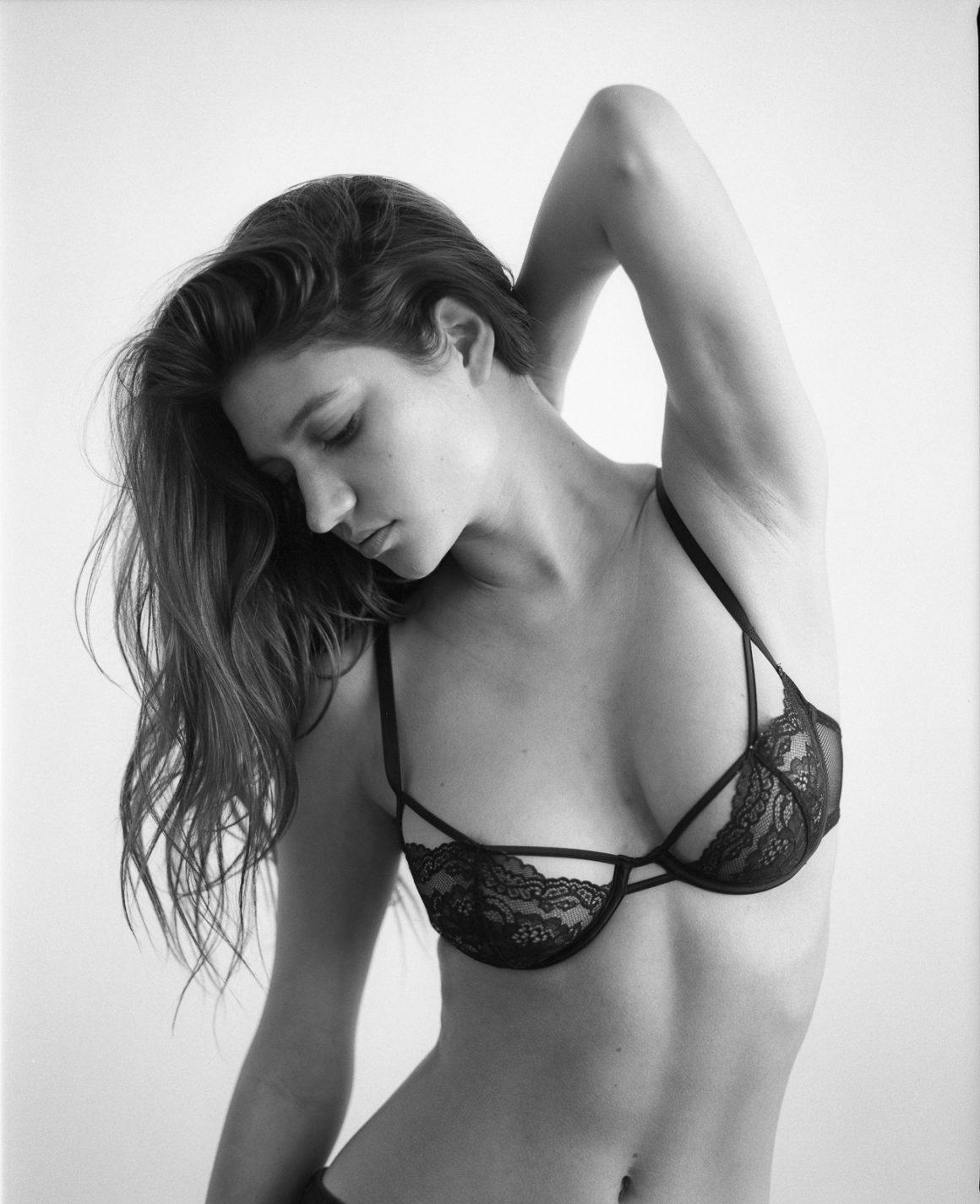 Elizabeth Elam / фото Andrew Miller