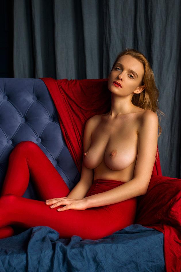 В красных колготках / фотограф Oxana