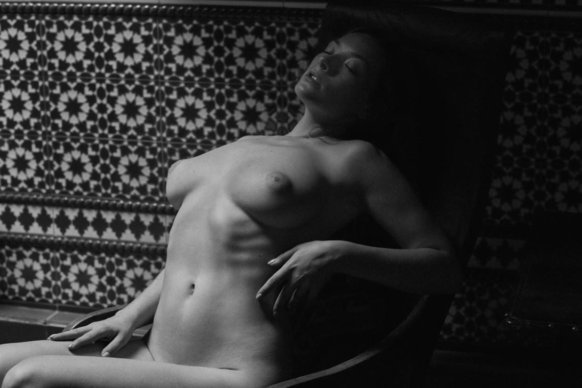 Olga Kobzar by Jérémie Nassif