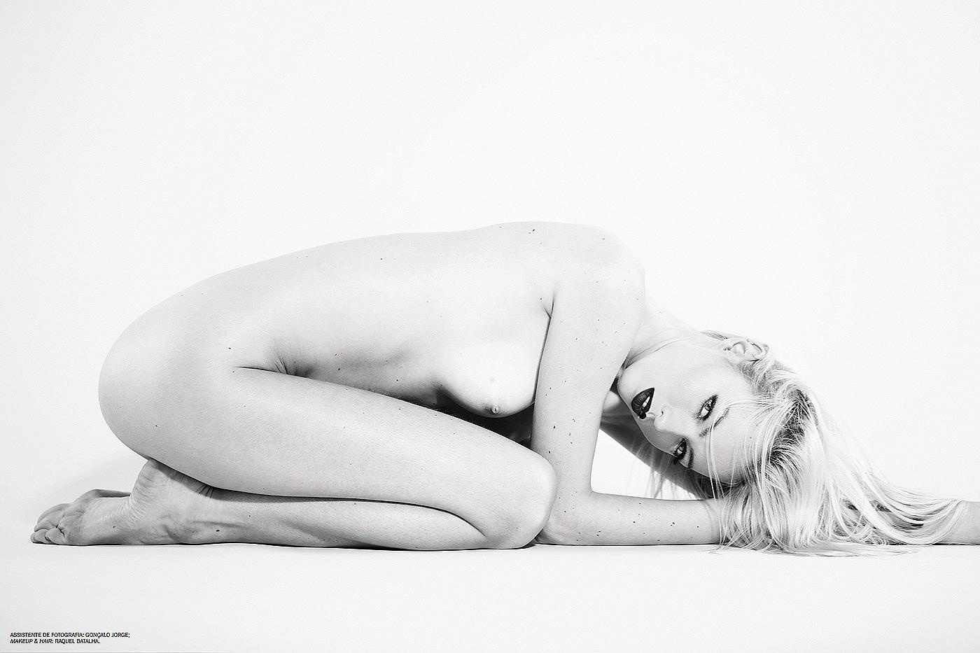 Hellyda Cavallaro INSOMNIA Magazine #6 / фото Ana Dias