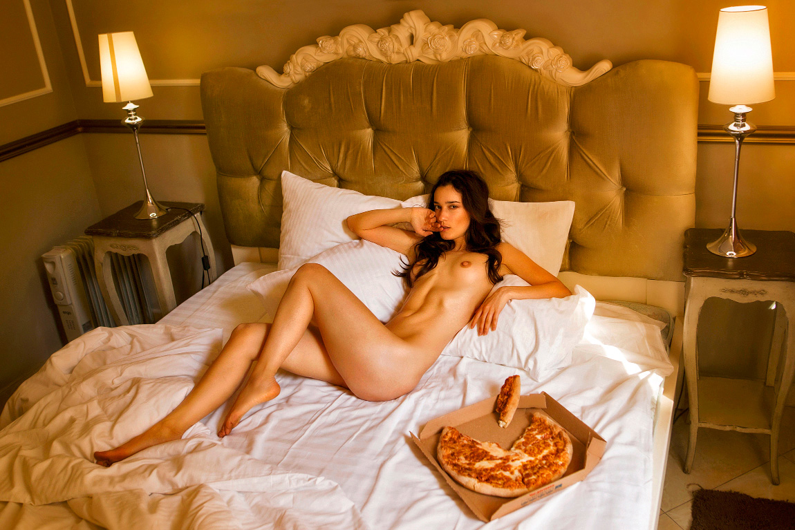 Пицца в постель / фотограф Oxana
