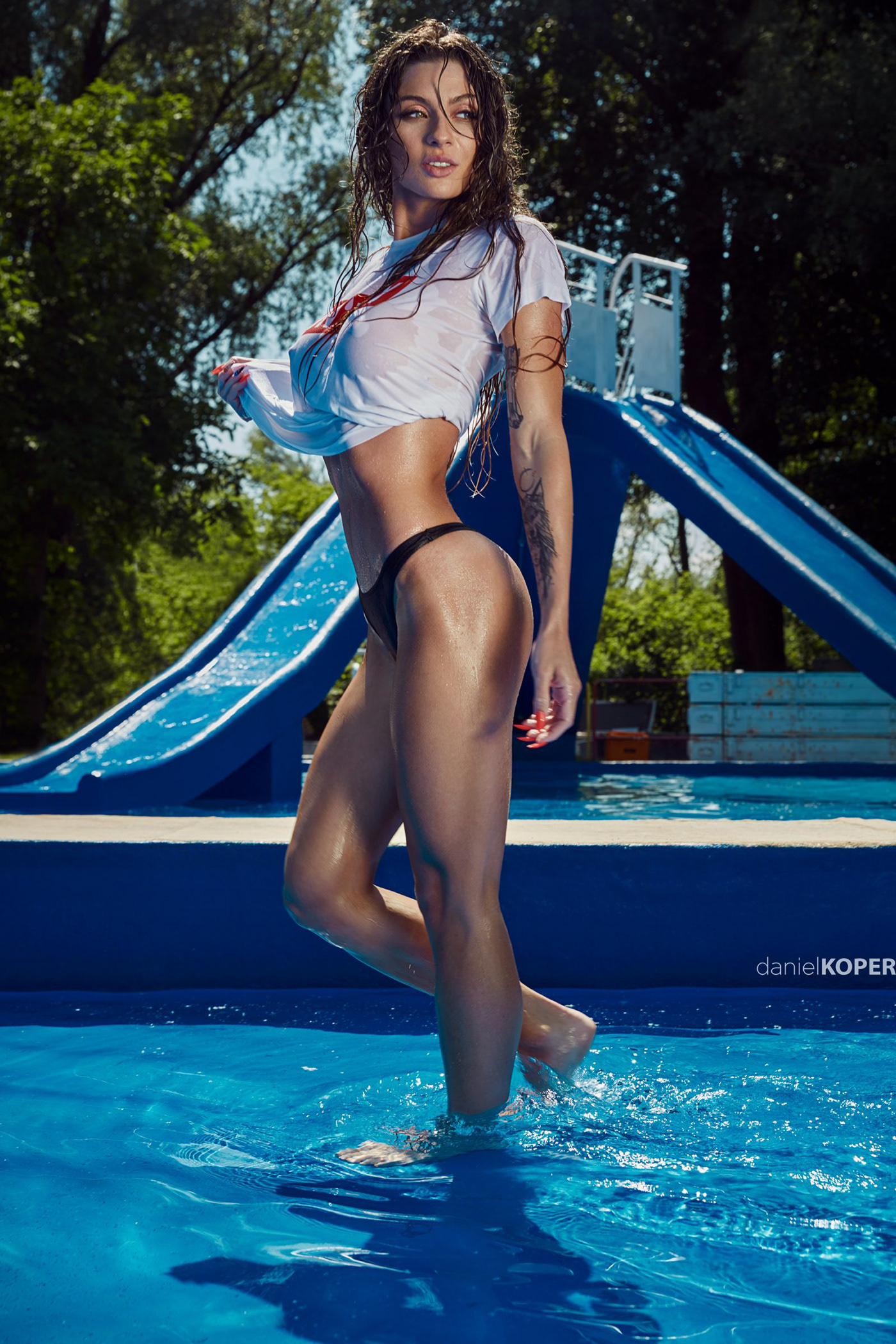 Patrycja in the pool / фотограф Daniel Koper