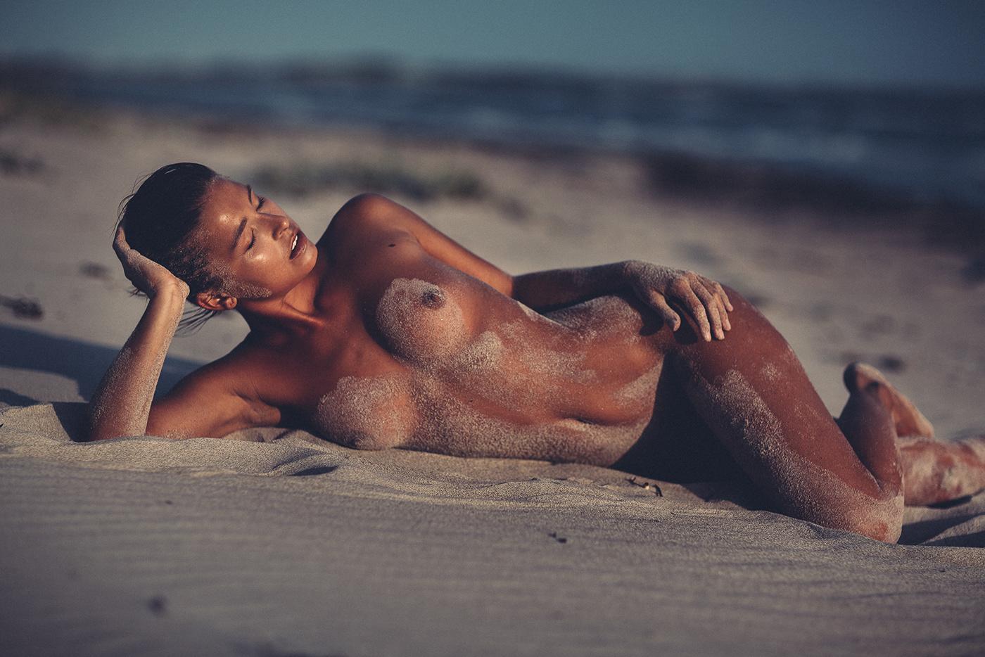 tan-marisa-nude