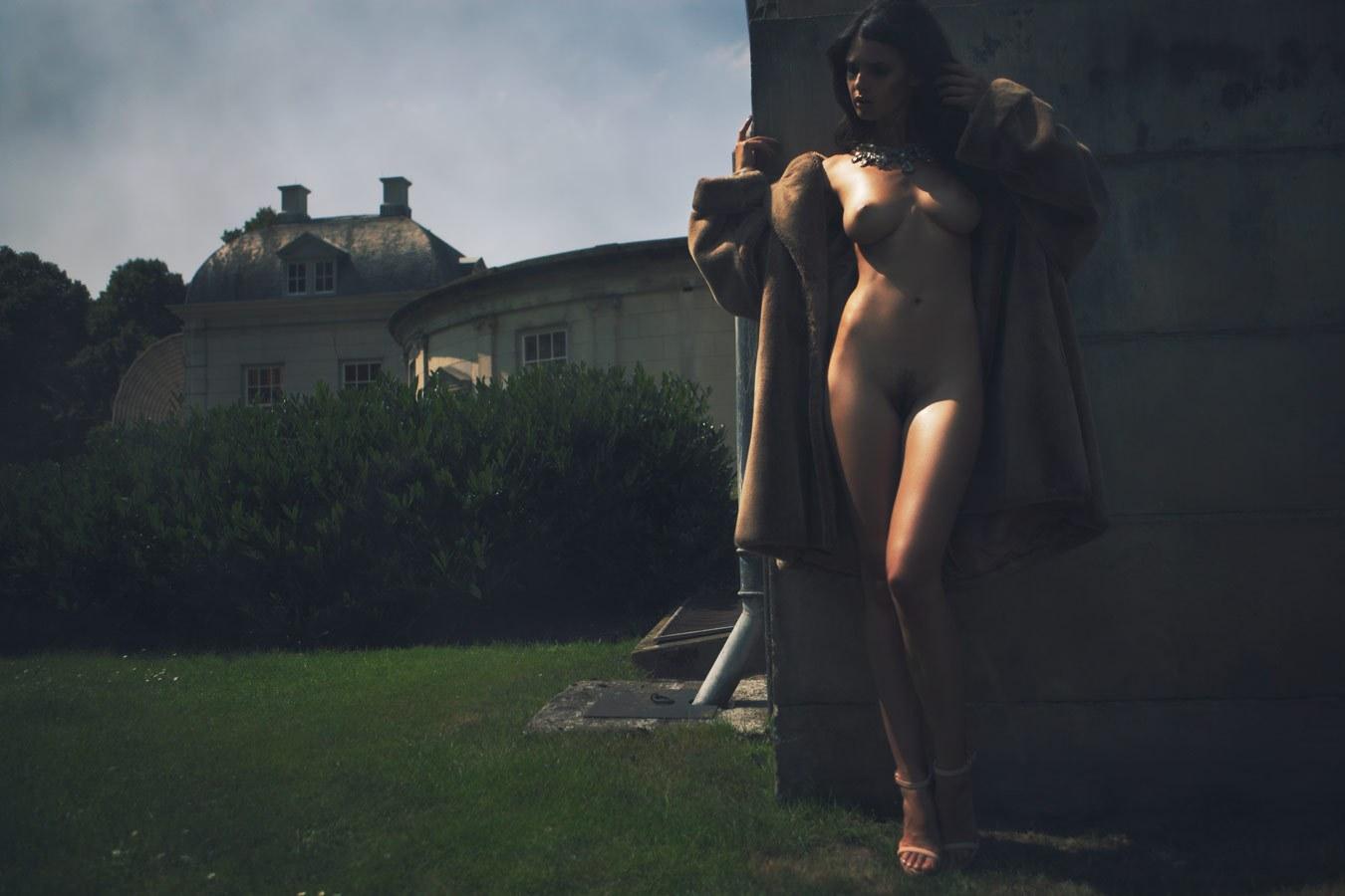 Zoi Gorman by Ivor Paanakker