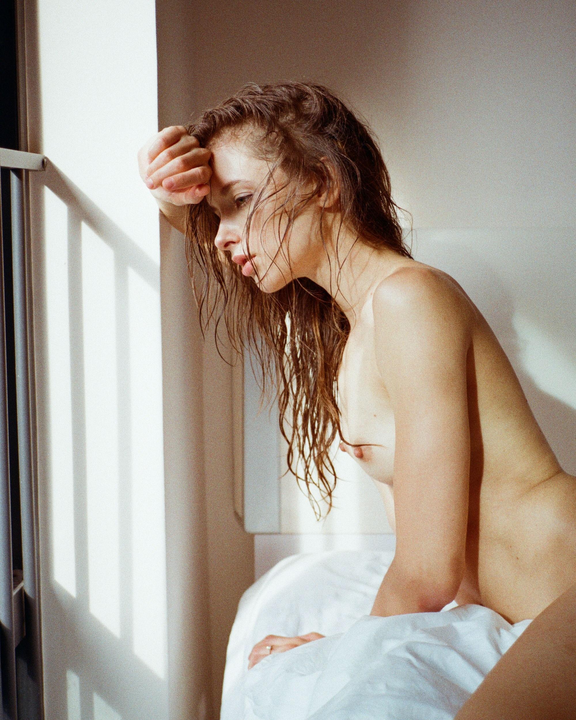 Noemi Kovacs by Jan Kwan