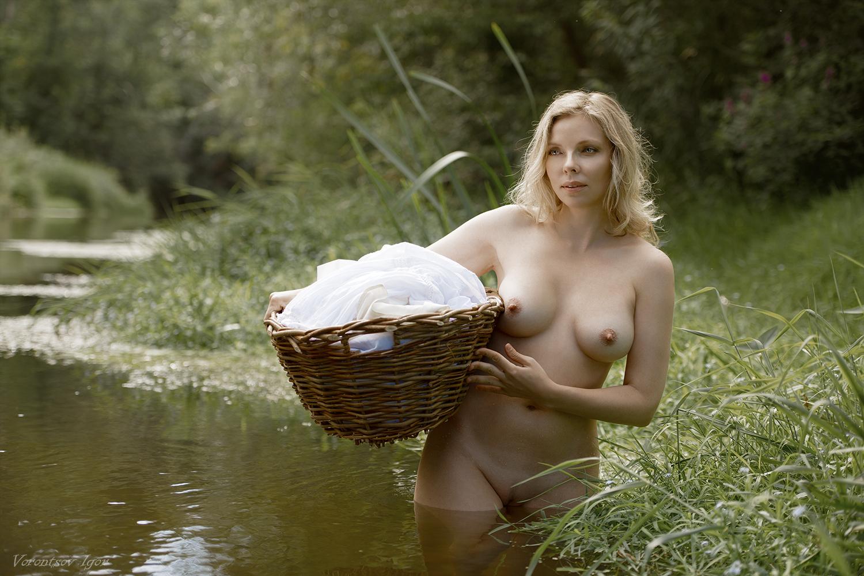 Стирка в реке / фото Игорь Воронцов