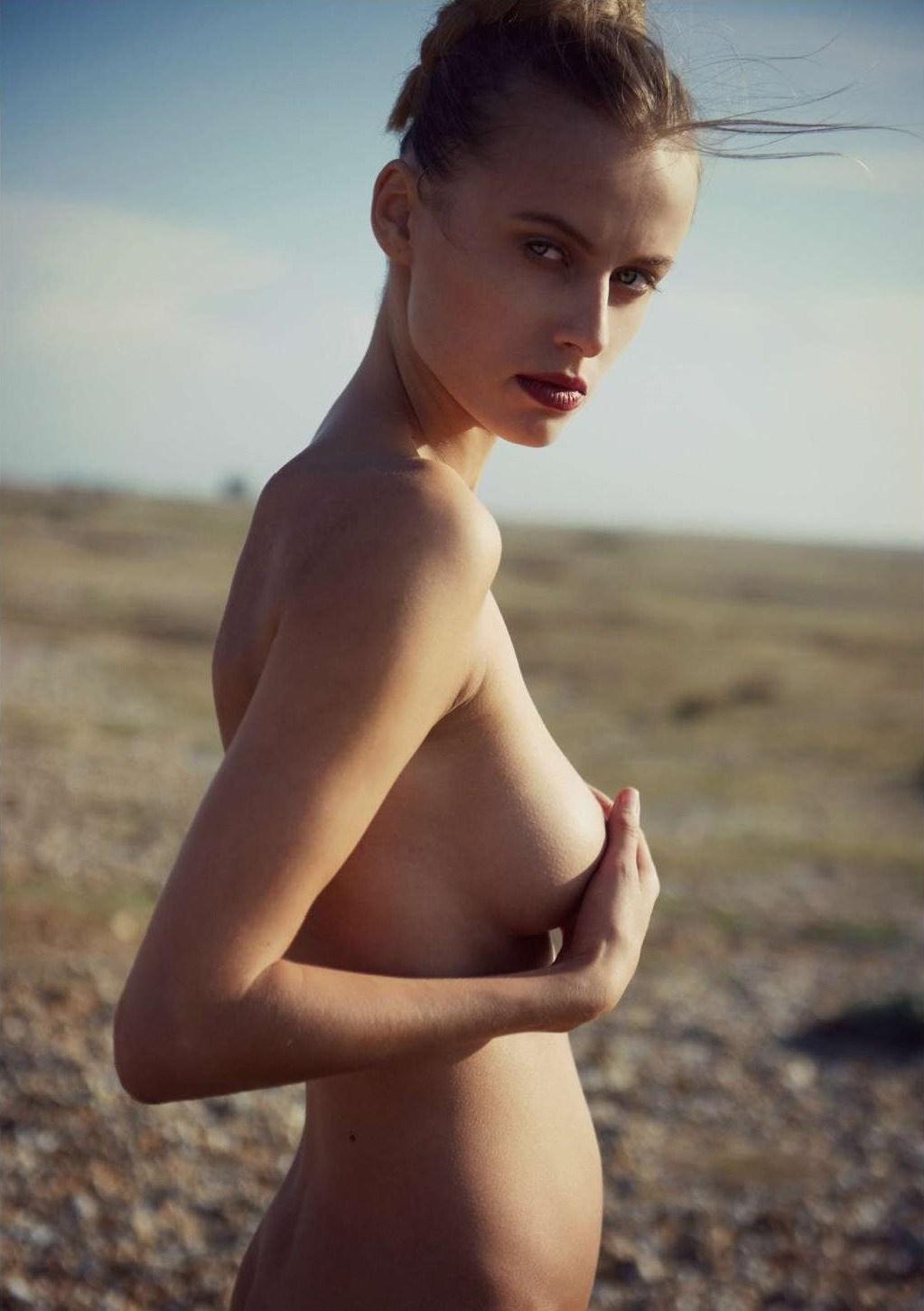 Olga de Mar by Jeremy Gibbs