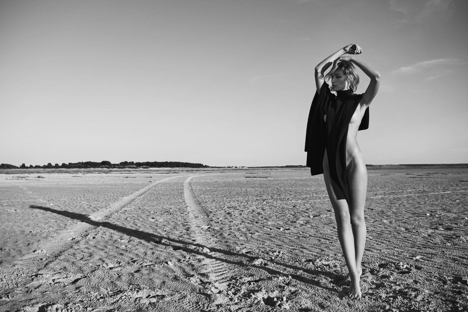 Justine Nicolas by Stefan Rappo