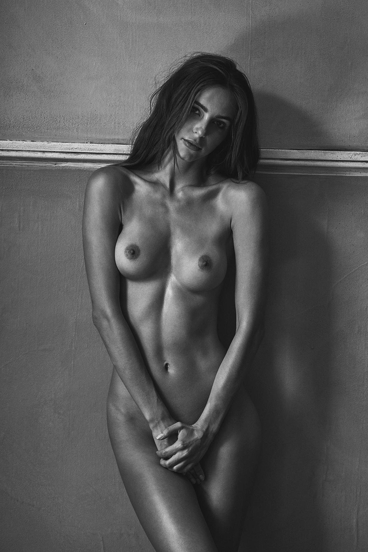Amanda Pizziconi by Stefan Rappo for OSPHILIA