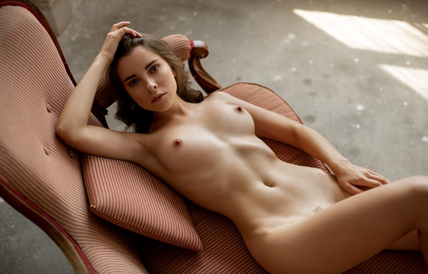 Showroom / фотограф Sacha Leyendecker - модель Катерина Марченко