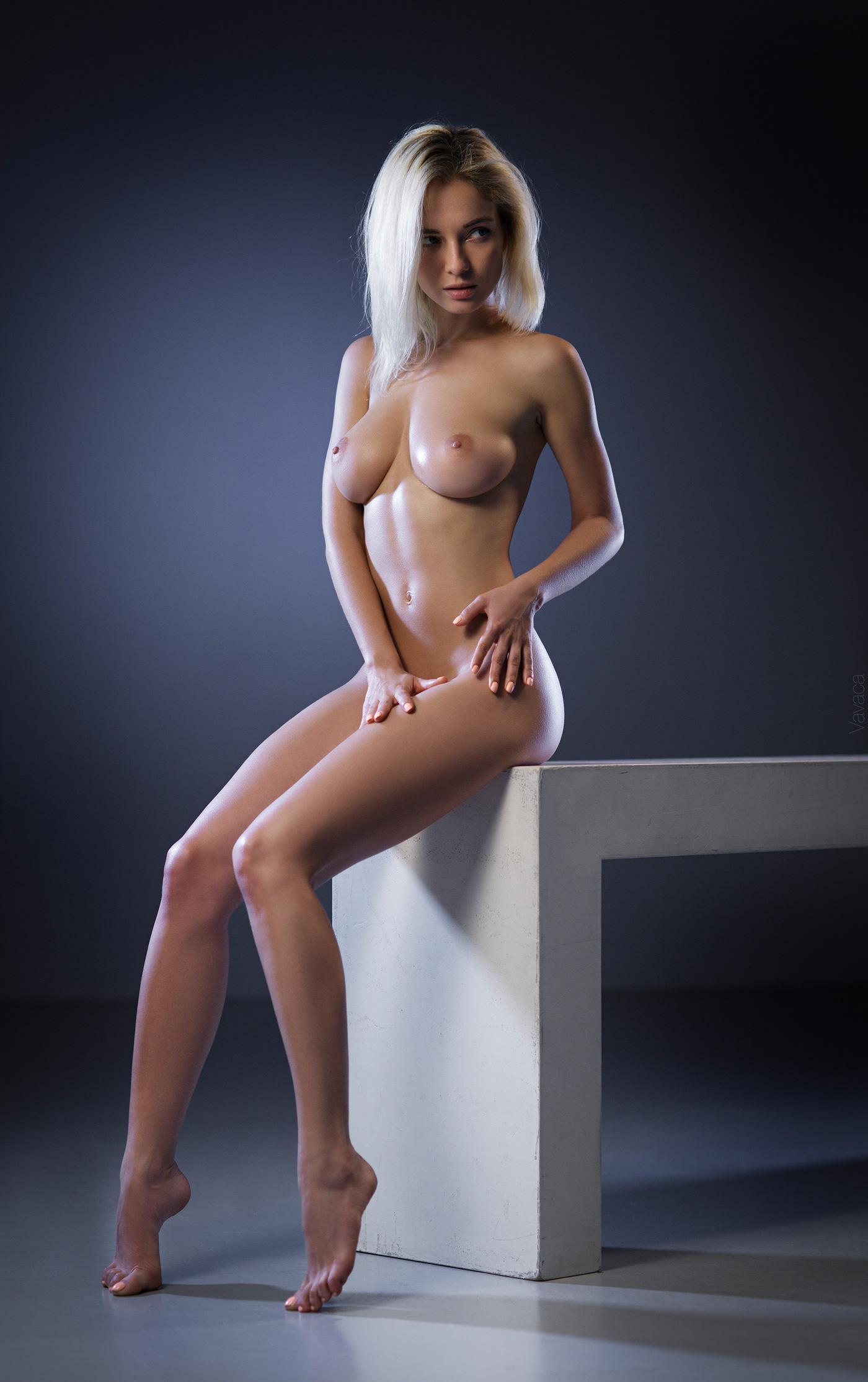 foto-porno-model-natalya-foto-zhenshina-masturbiruet-anal