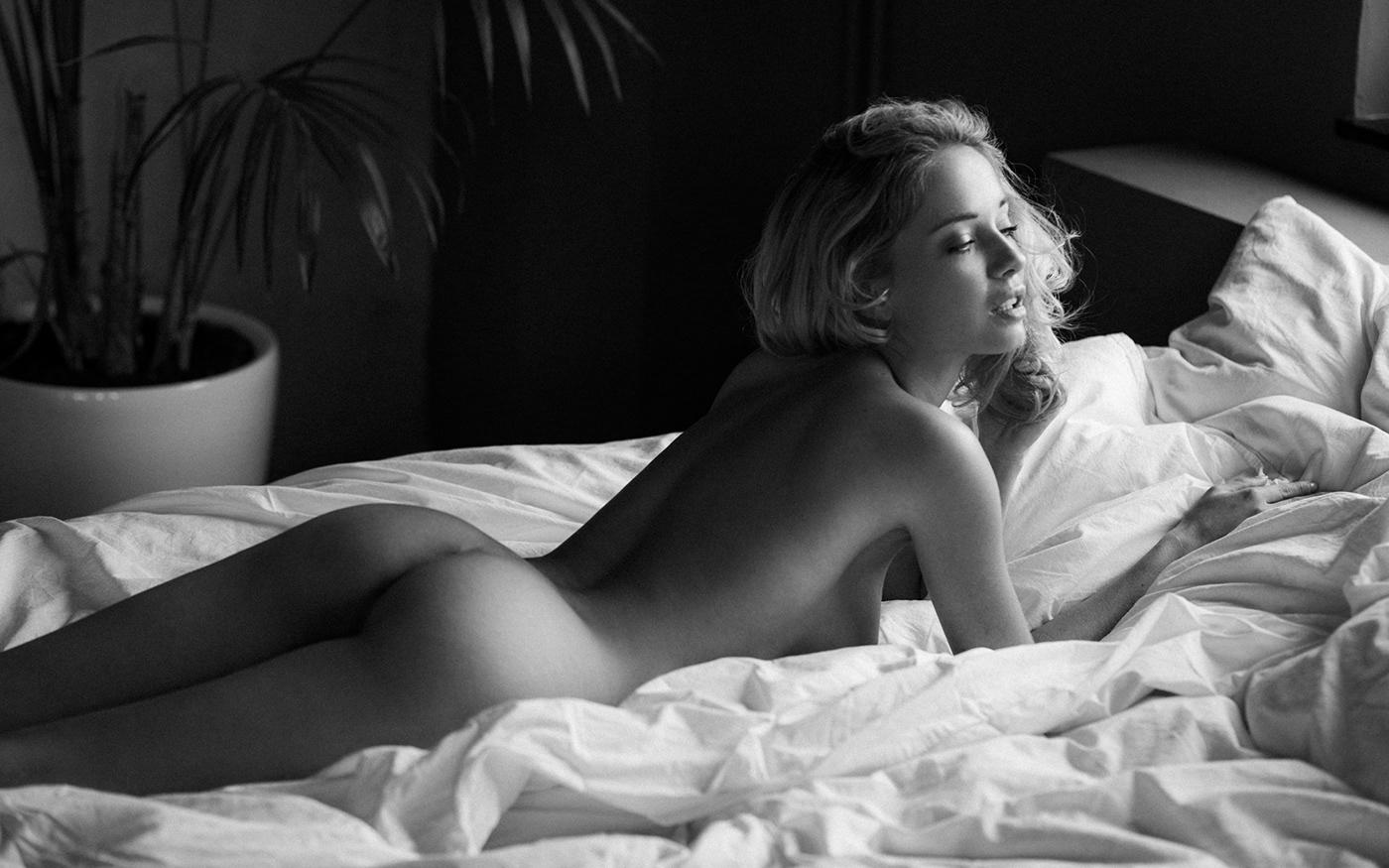 совсем голая Наталья Андреева / фото Sacha Leyendecker