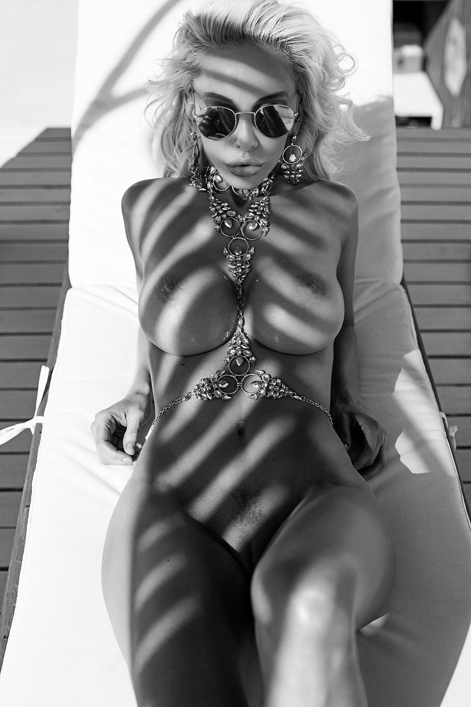 Голые девушки / фото Slinky ADVphoto