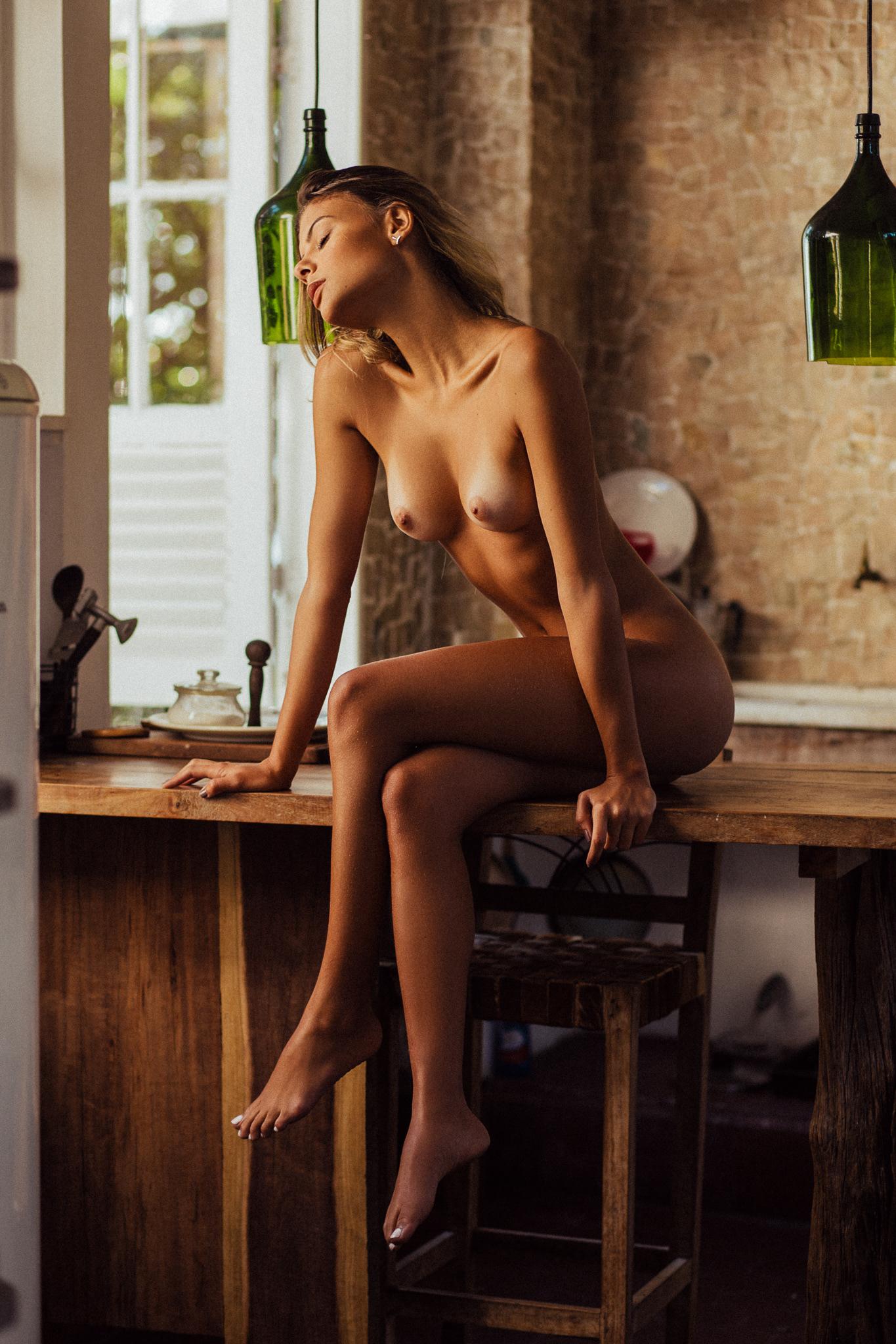 nude Carla O. / фото Henrique Cesar Faria