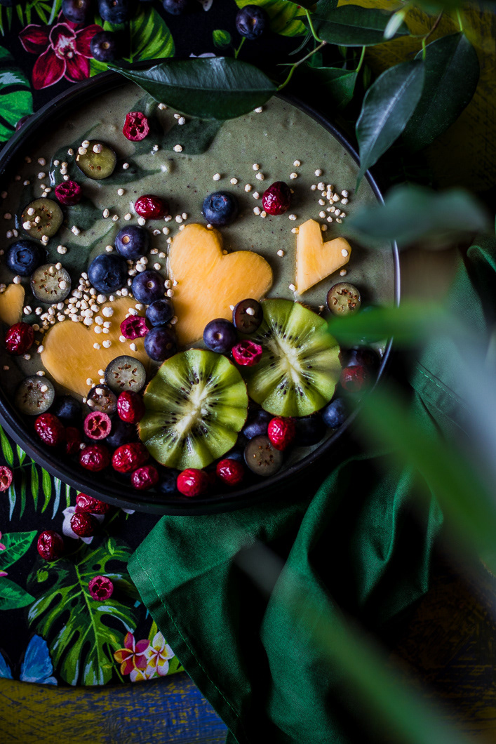 Green super food smoothie / фото Amalija Andersone