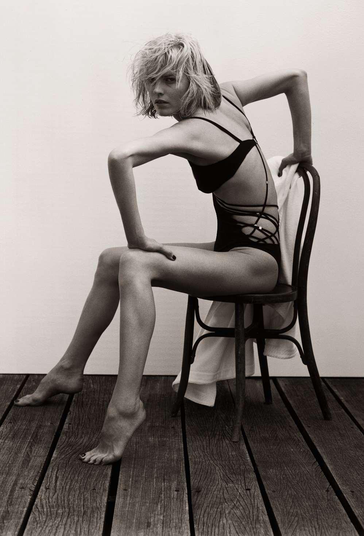 Стопы женских ног 15 фотография