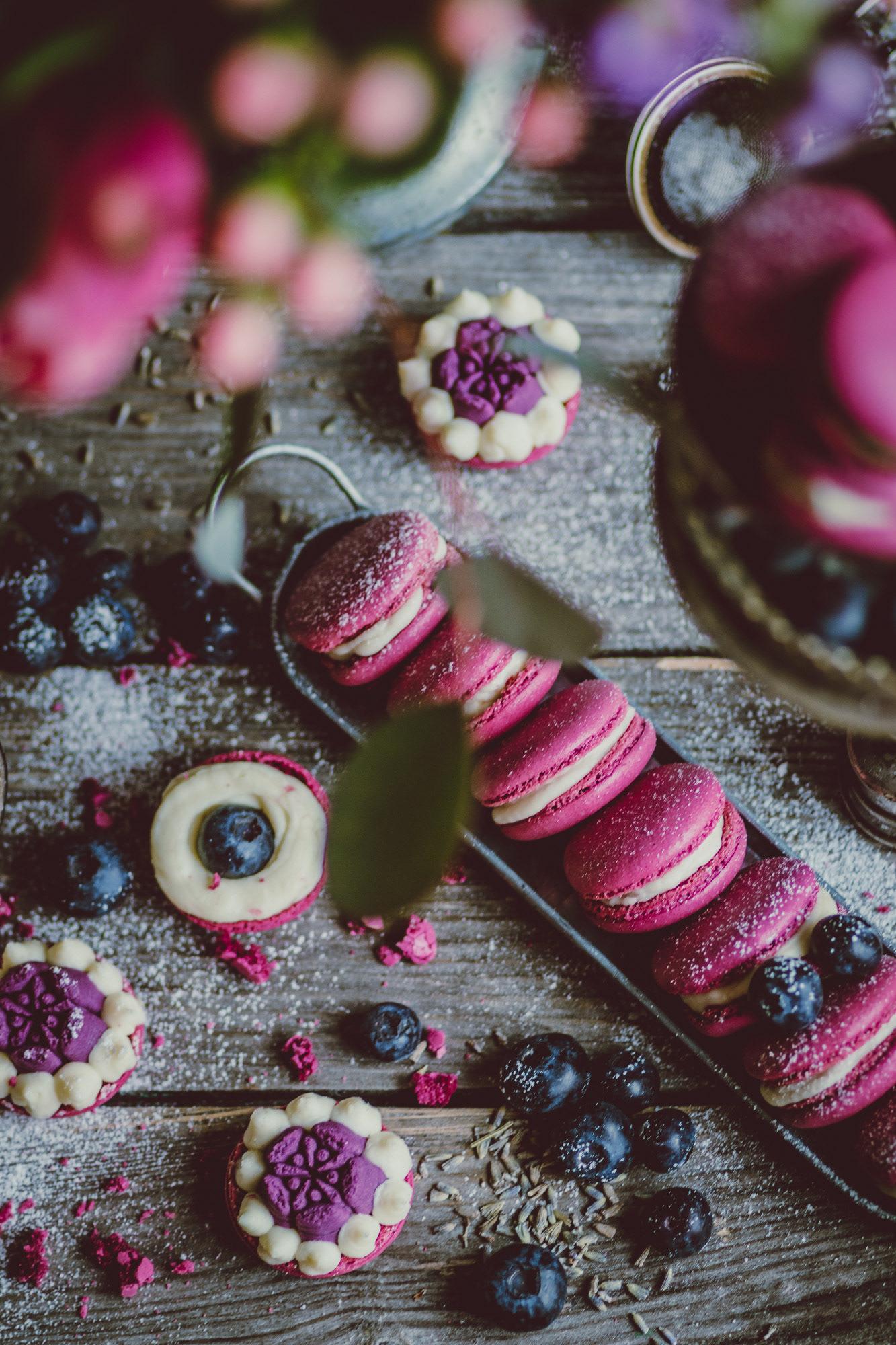 afternoon with macarons/ фотограф Amalija Andersone