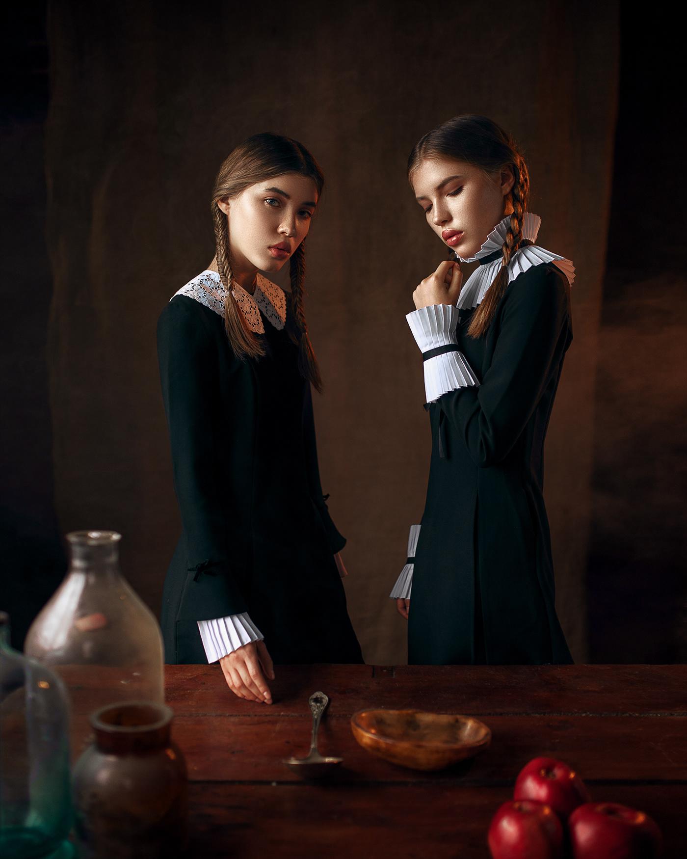Сестры / фотограф Макс Кузин