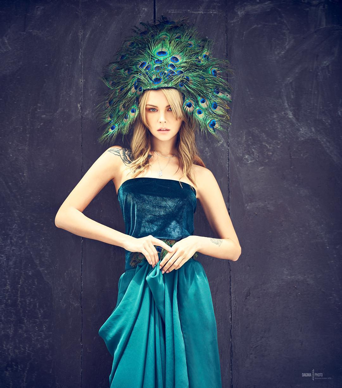 Peacock Girl Anastasiya Scheglova foto Grzegorz Sikorski for Peacock