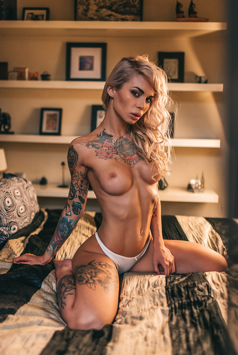 Tattoo girl / фотограф Дмитрий Бугаенко