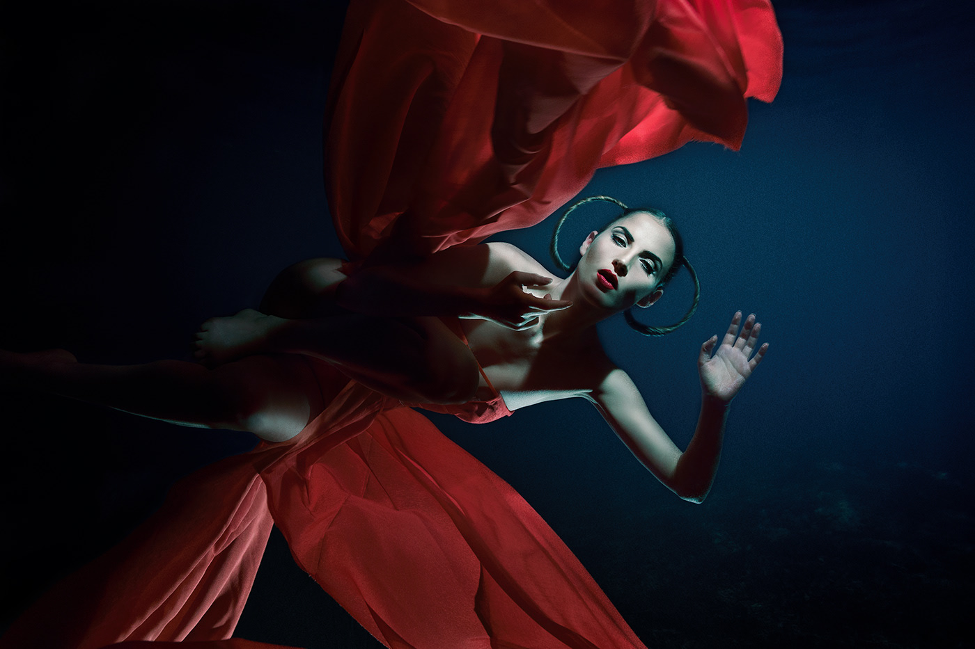 CygnosiC's Siren / фото Evi Christopoulou
