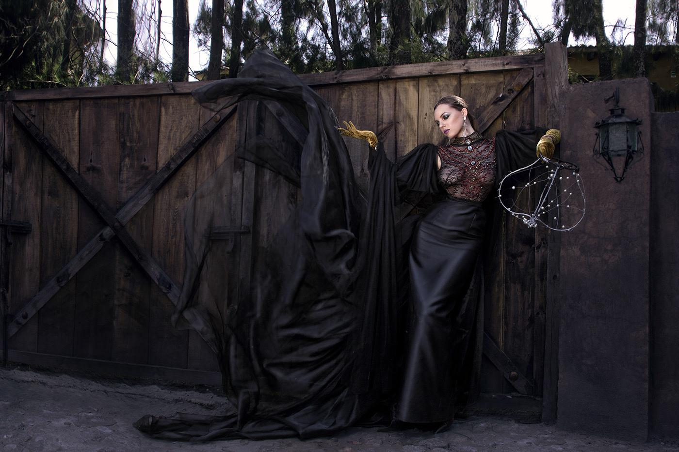 An Empress Scorned / фотограф Charles Herrera - Model Eli Ramanauskas