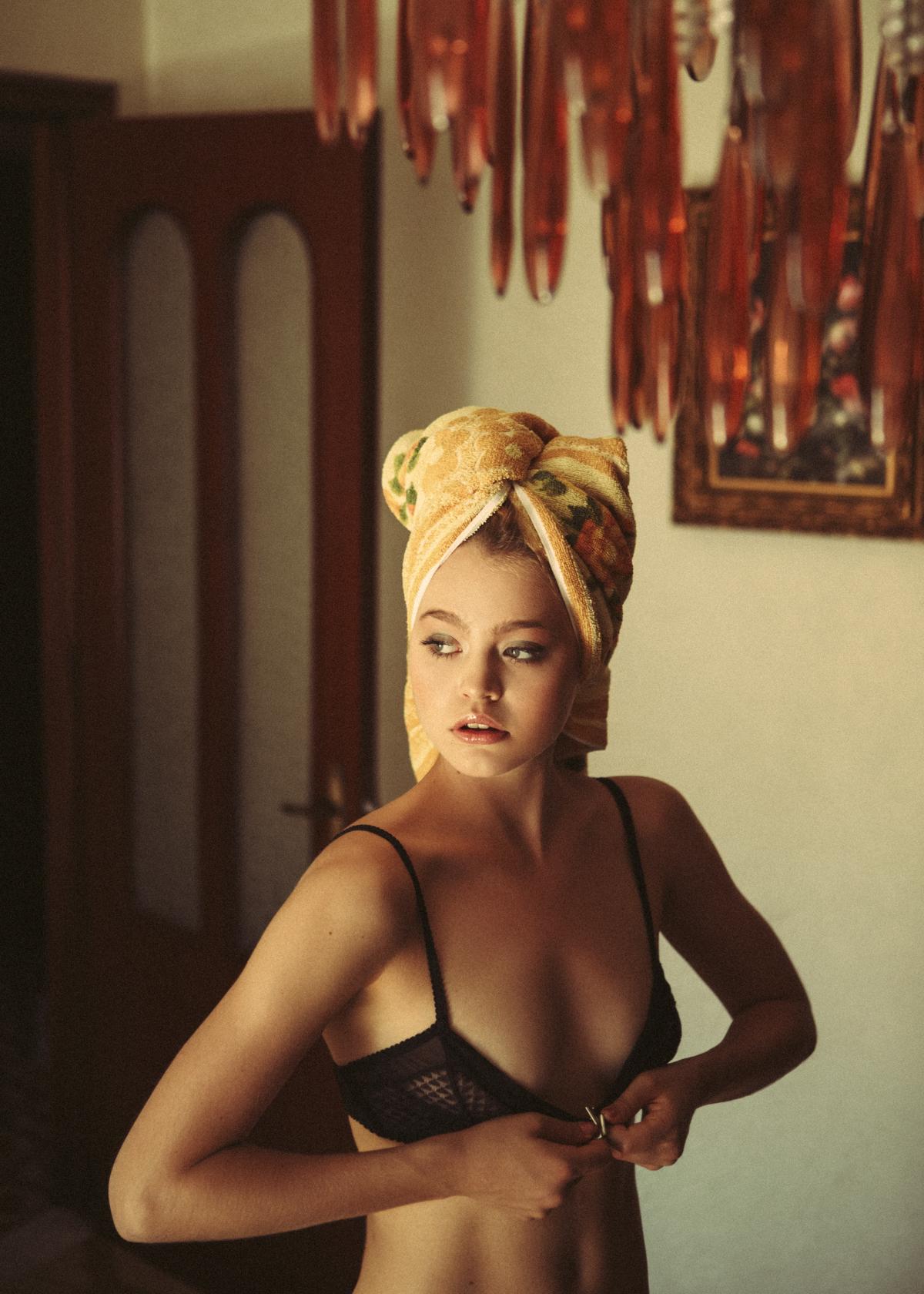 Dorothee for C-Heads Magazine / фотограф Marie Schmidt
