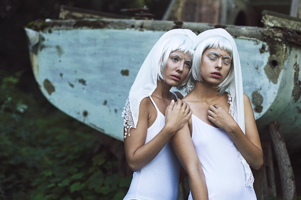 Twins from the past / фото Jovana Rikalo
