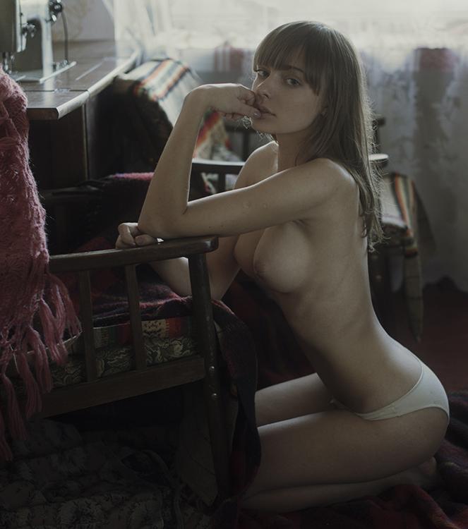 Розовая кофточка / фотограф Давид Дубницкий