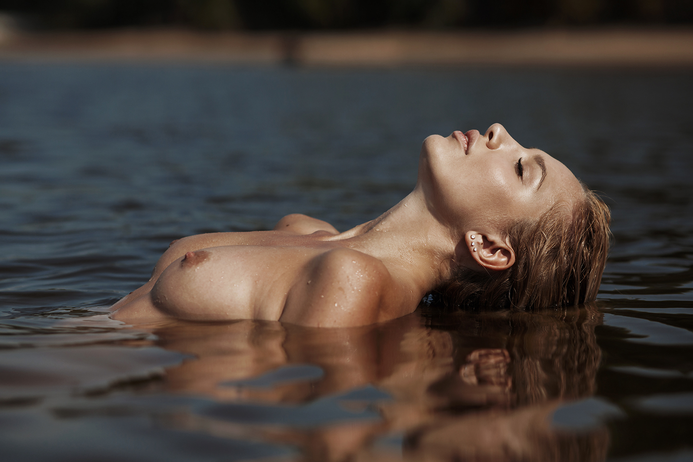 На озере / фотограф Дмитрий Лобанов