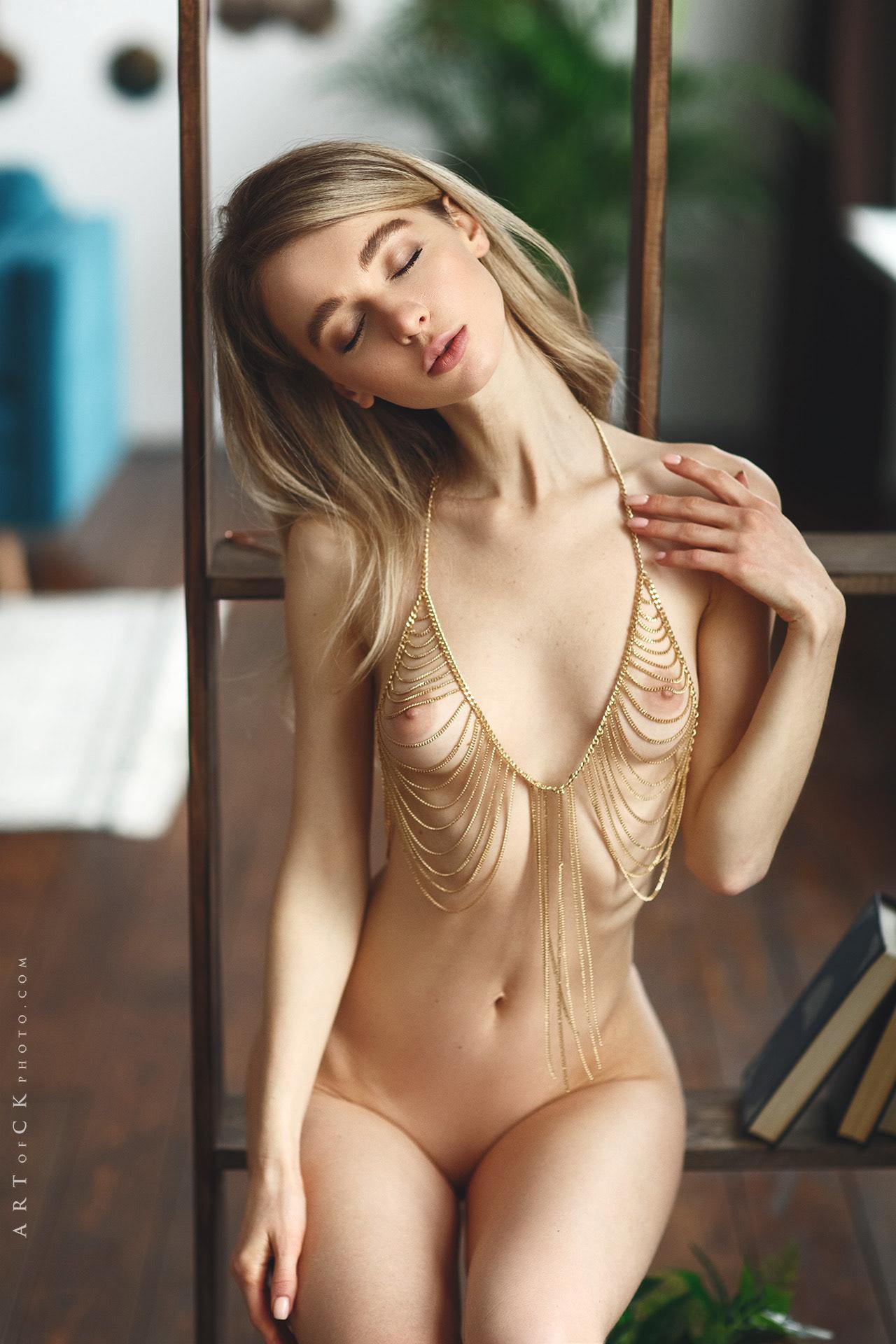 Anna / Stepan Kvardakov