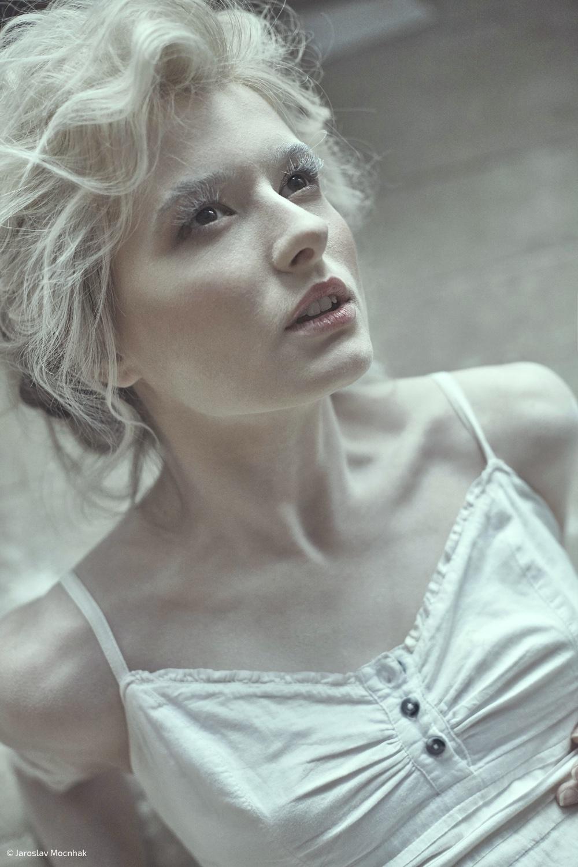 Белые скульптуры / фотограф Ярослав Мончак