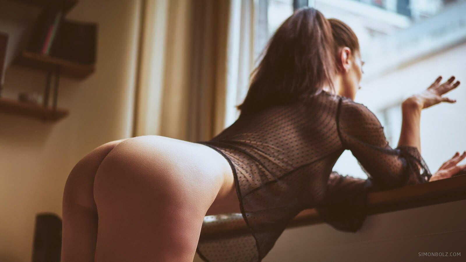 Scarlett / Photographed by Simon Bolz