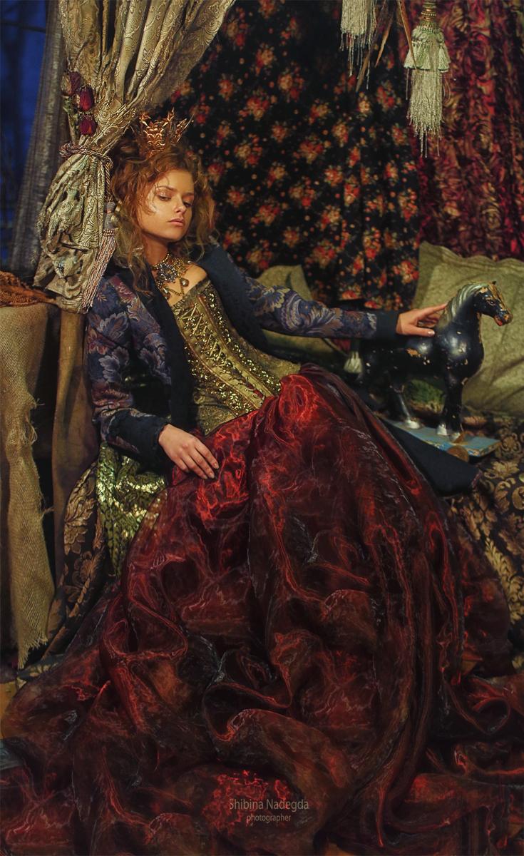 Принцесса на горошине / модели Юлия Ярошенко, Сергей ЛЕНИН Фотограф-дизайнер Надежда Шибина