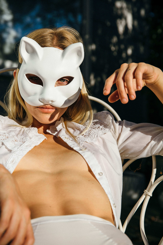 DANCING WITH THE DEVIL / фотограф Sophia Sinclair