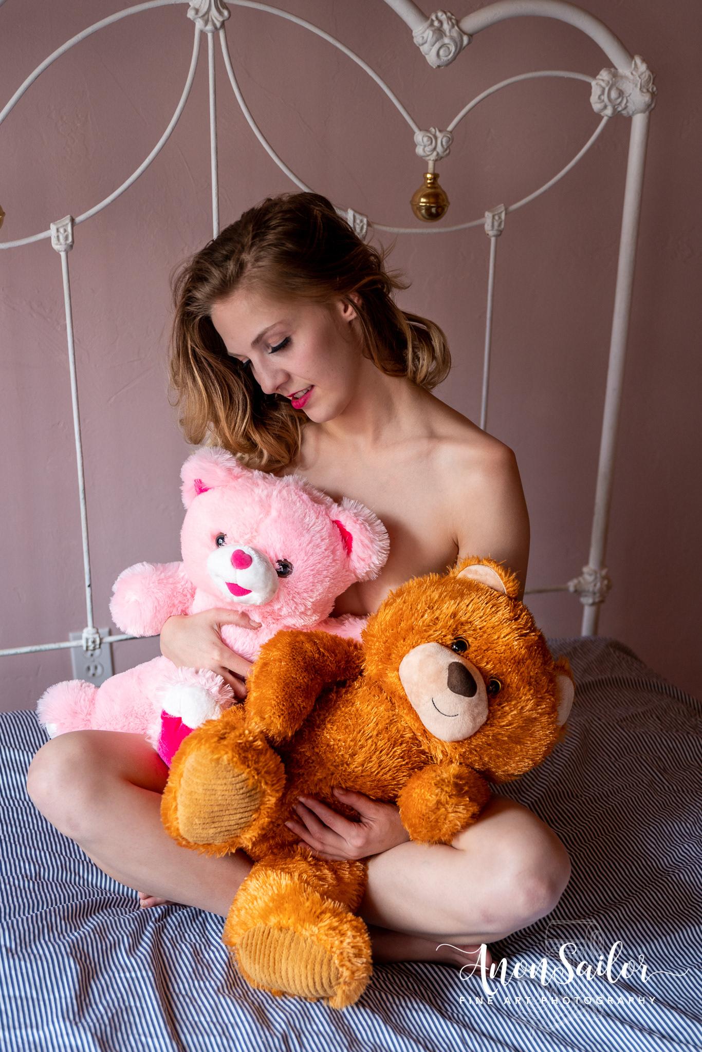 Lacey and Teddy Bear friends / фотограф Andrew Koran