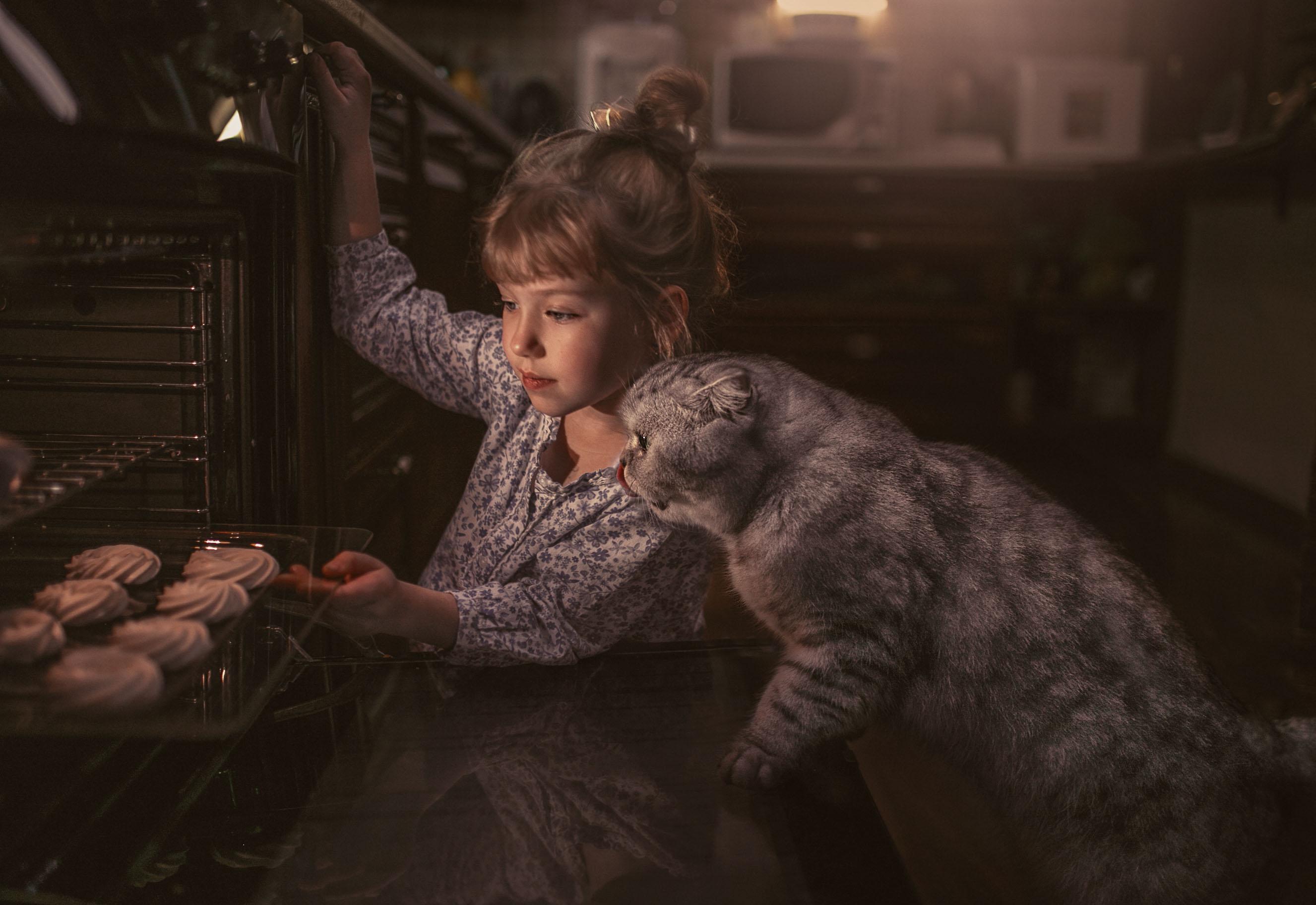 девочка Лиза и кот / фотограф Еленчук Марина
