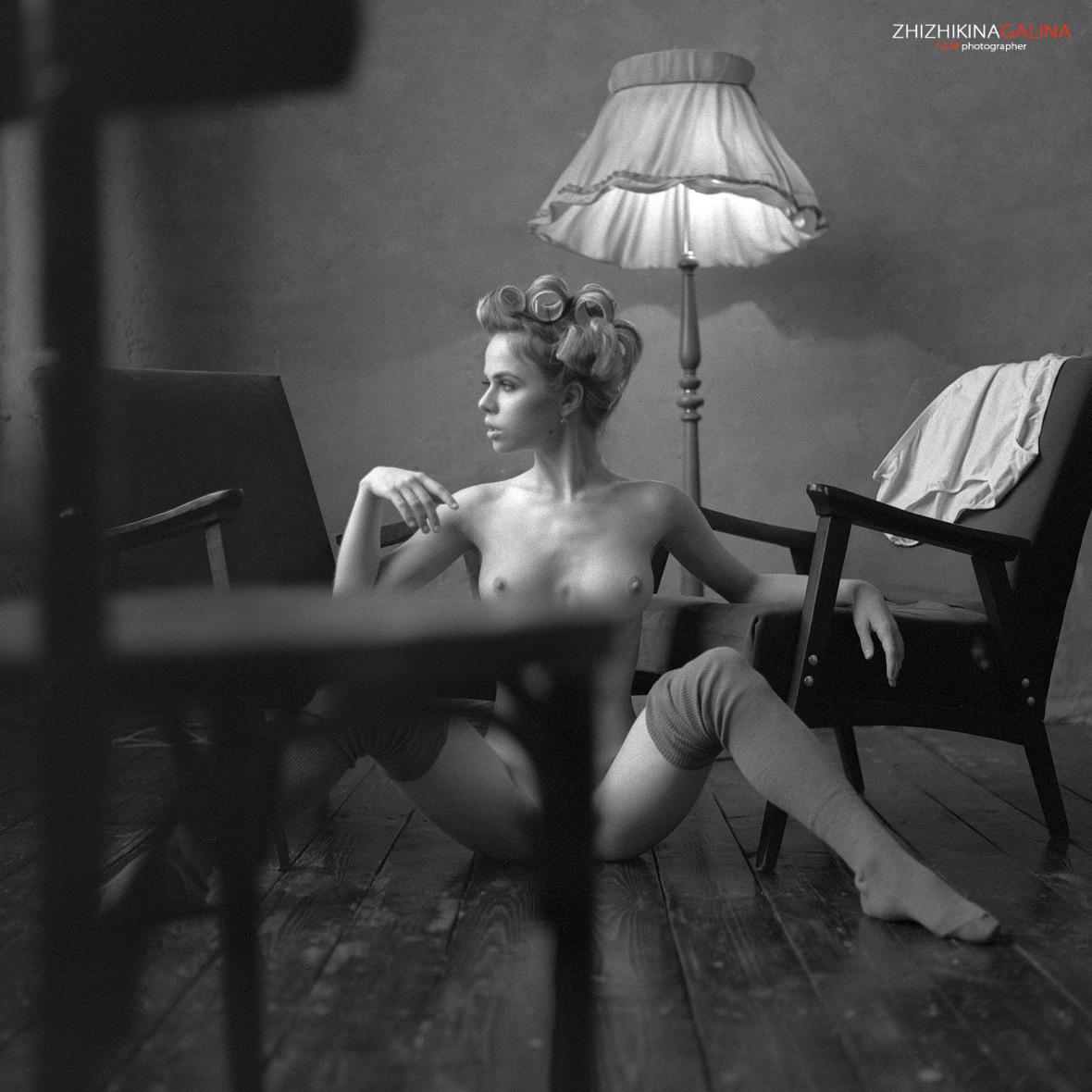 как всегда голая Александра Смелова / фотограф Галина Жижикина