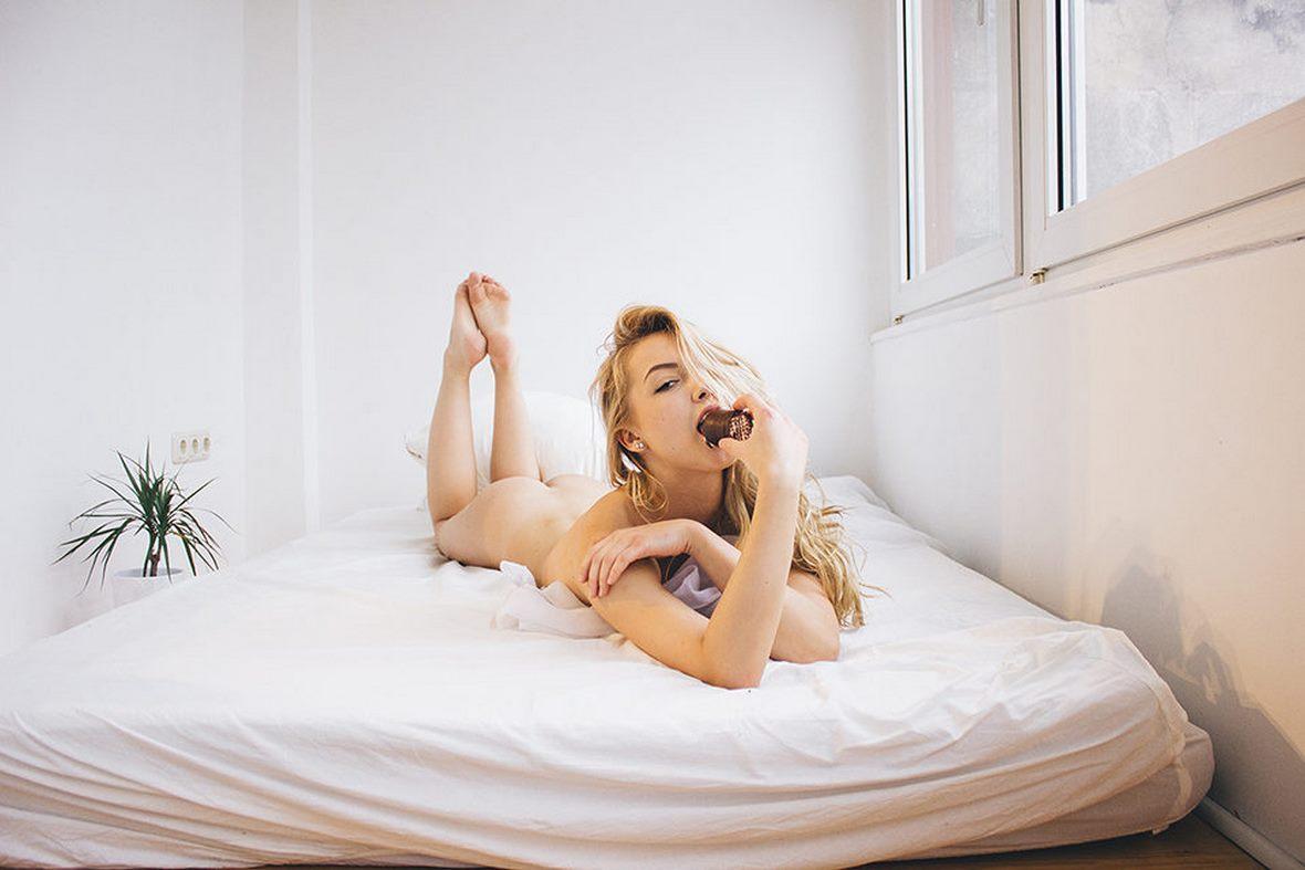 Alicia Valentina – Cookies and Cream