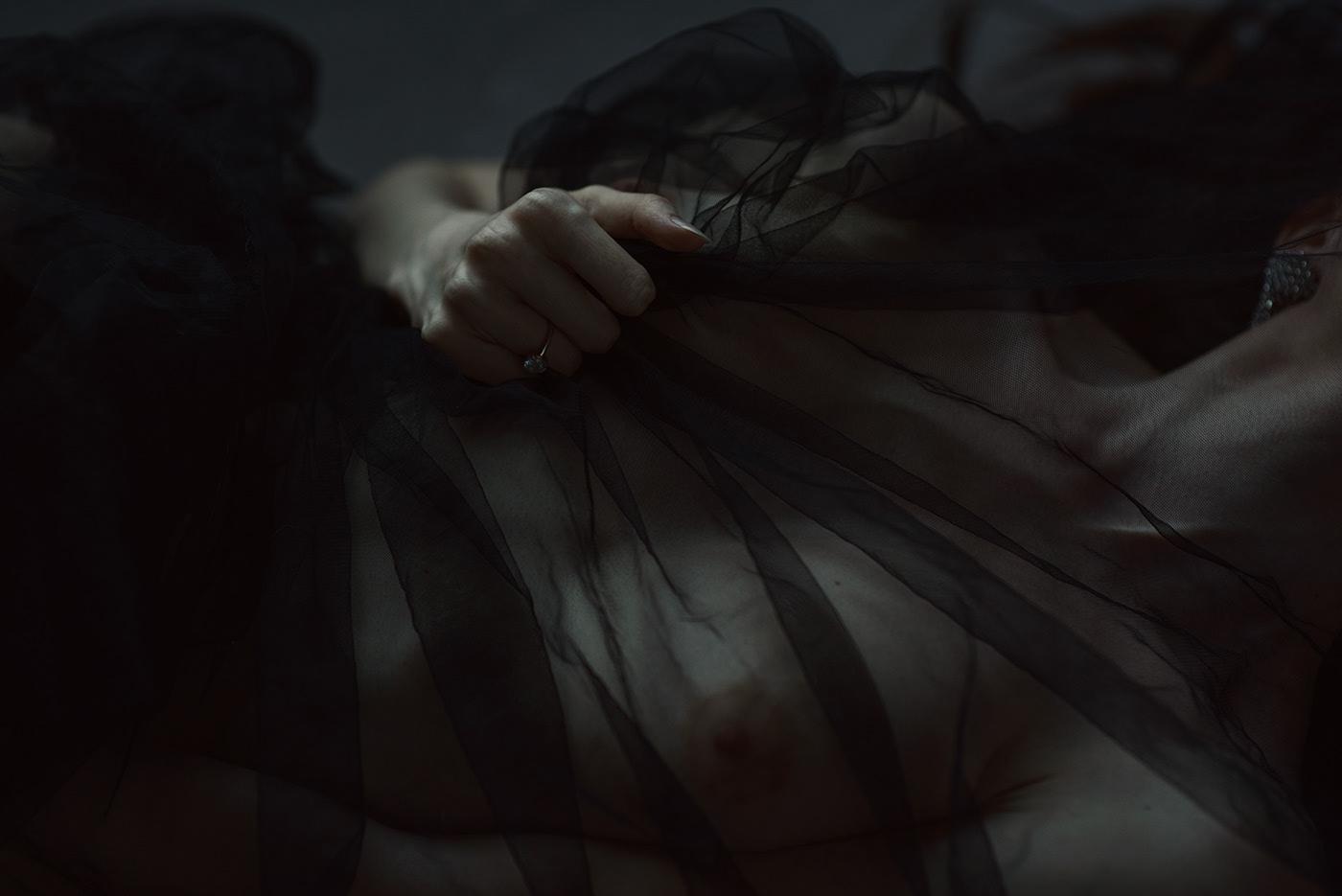 naked_Margo_Amp