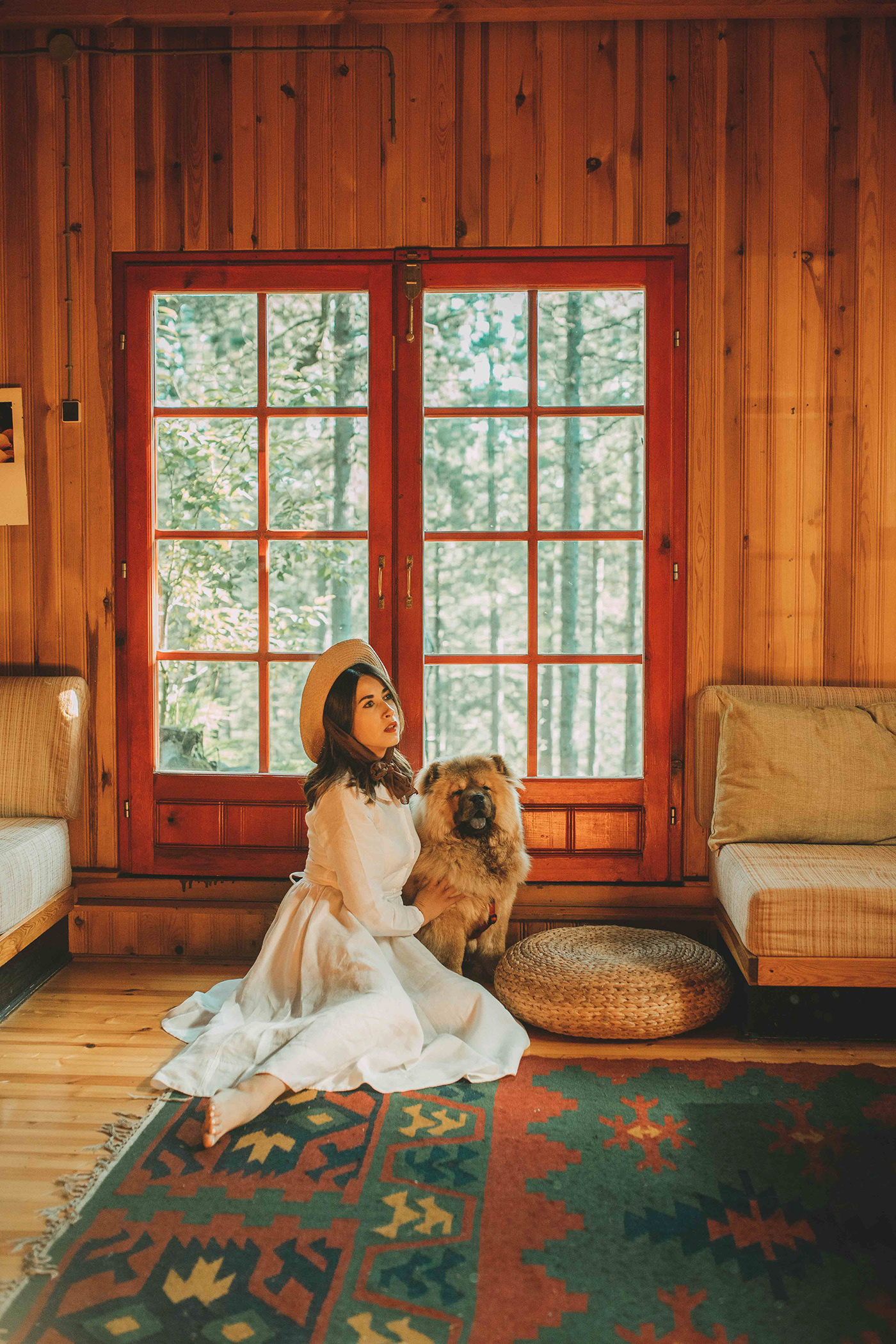 Женщина с собакой / фотограф Jovana Rikalo