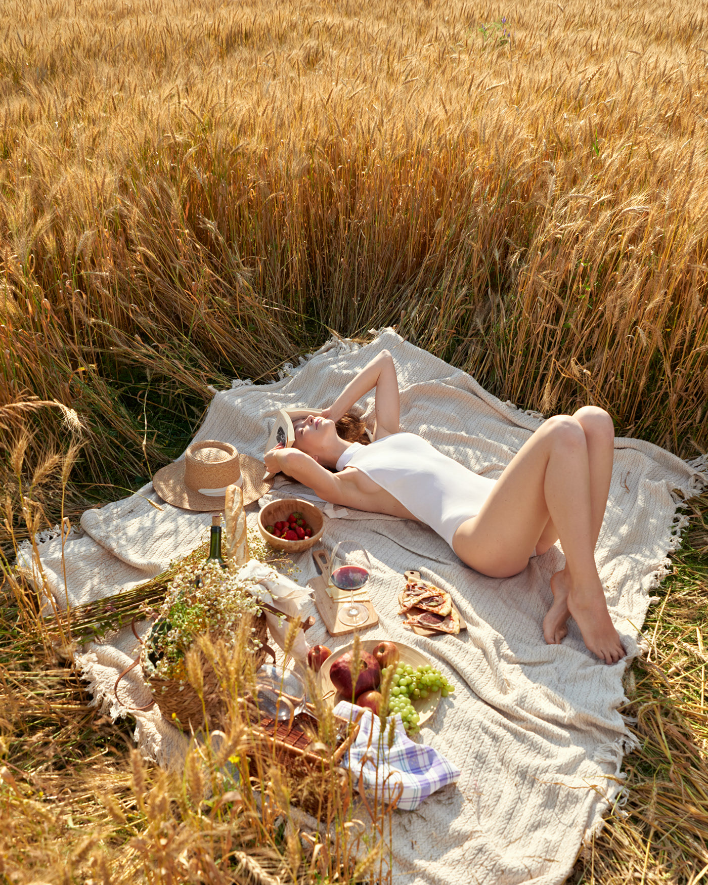 Даша на пикнике / фотограф Константин Крюковский