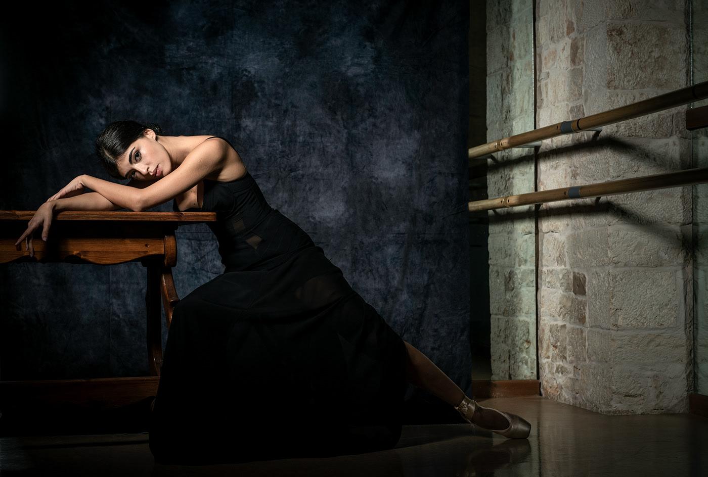 Confined Dancer