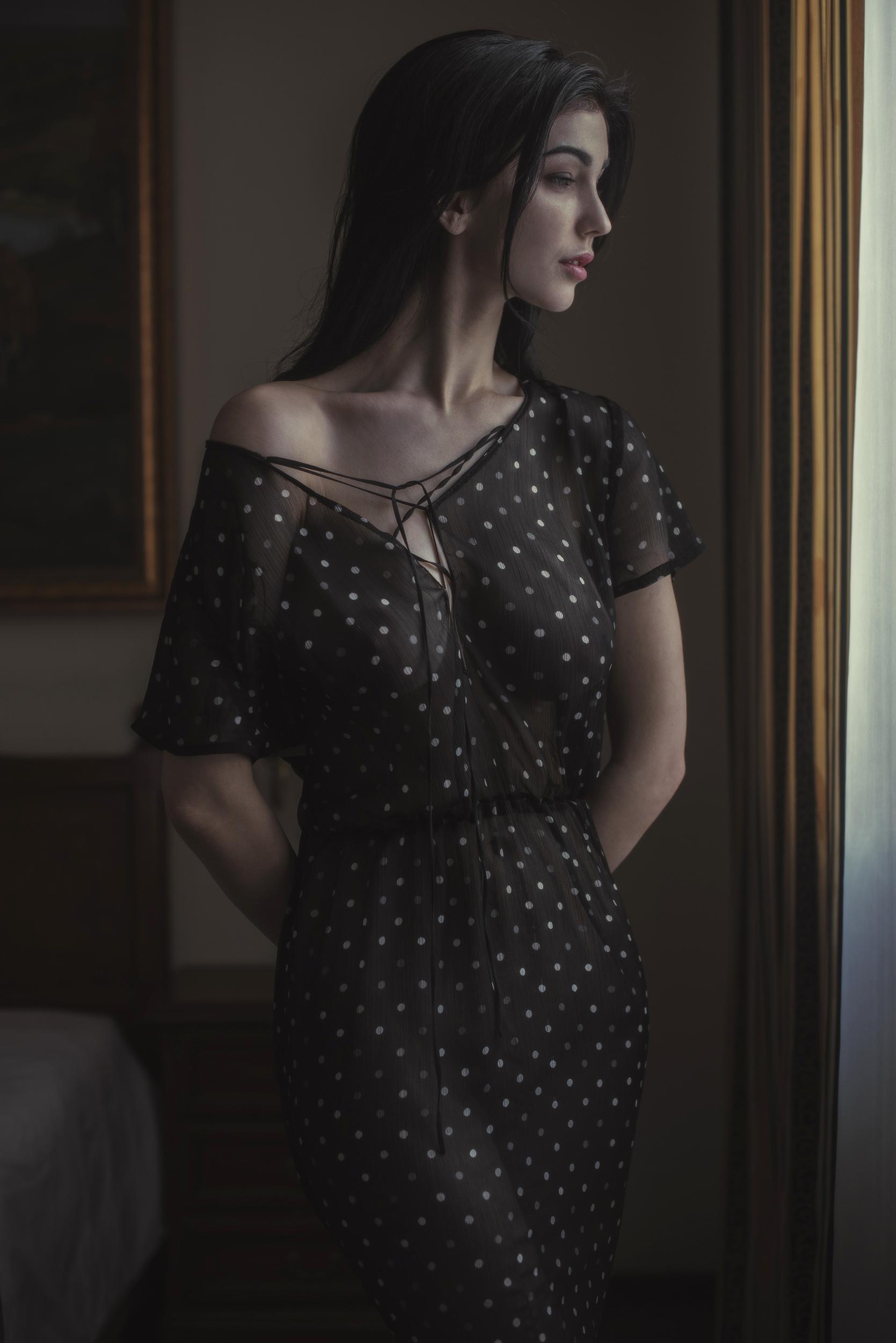Платье в горошек / фотограф Давид Дубницкий