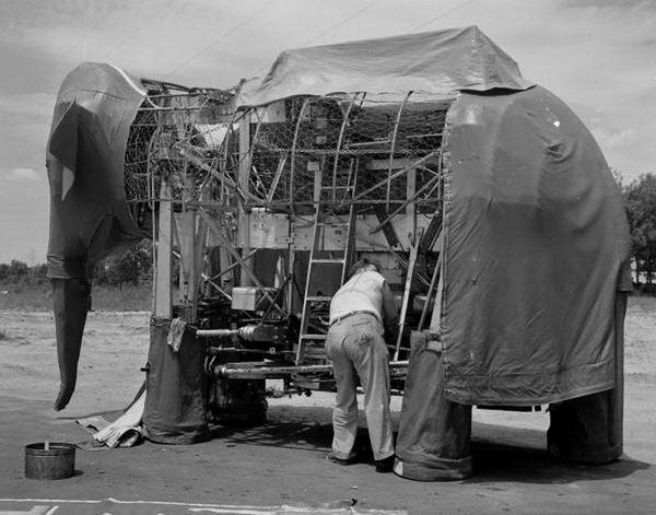 робот-слон 7